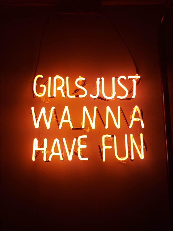 8946004323337_Leanardo Sanches_Girls just wanna have fun@0.5x-50