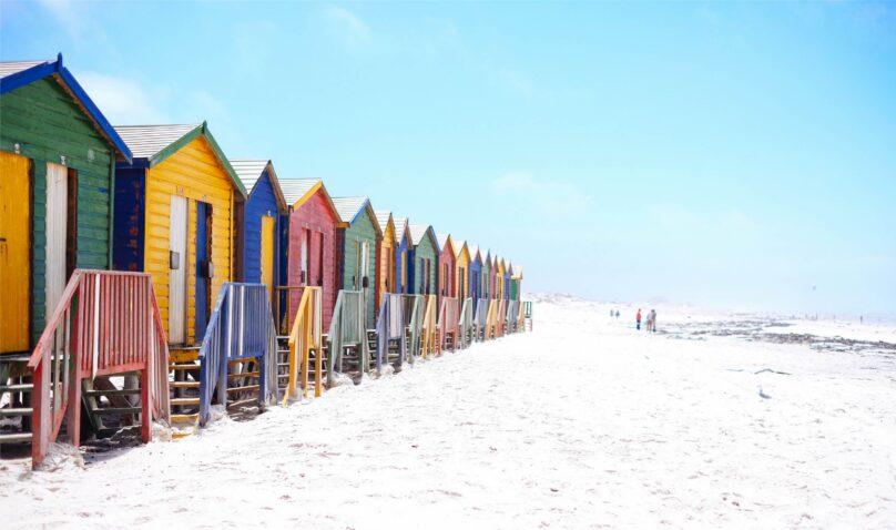 8946004323481_Arno Smit_Beach houses@0.5x-50
