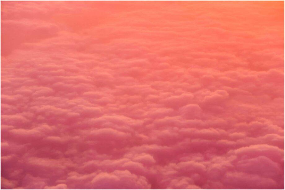 8946004323689_Robert Katzki_Pink clouds@0.5x-50